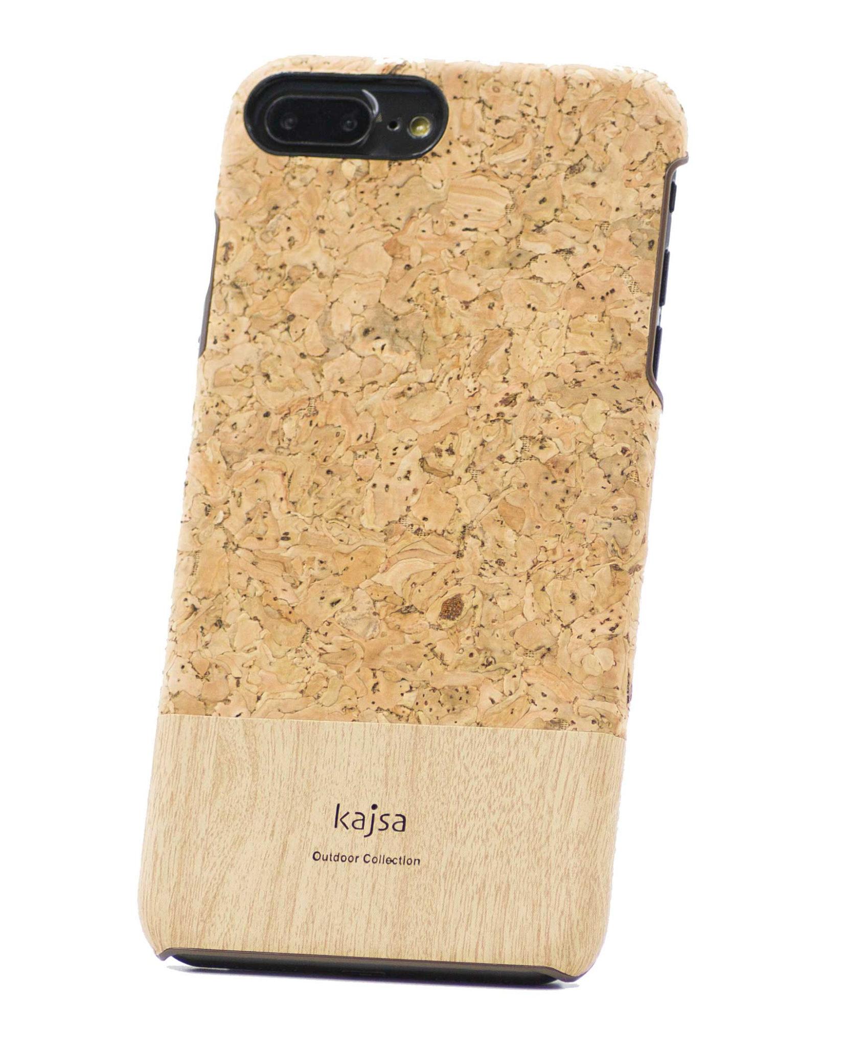 Ein perspektivisches Foto von einer Schutzhülle aus echtem Kork Holz für das iPhone 8 Plus, das iPhone 8, das iPhone 7 und das iPhone 7 Plus.
